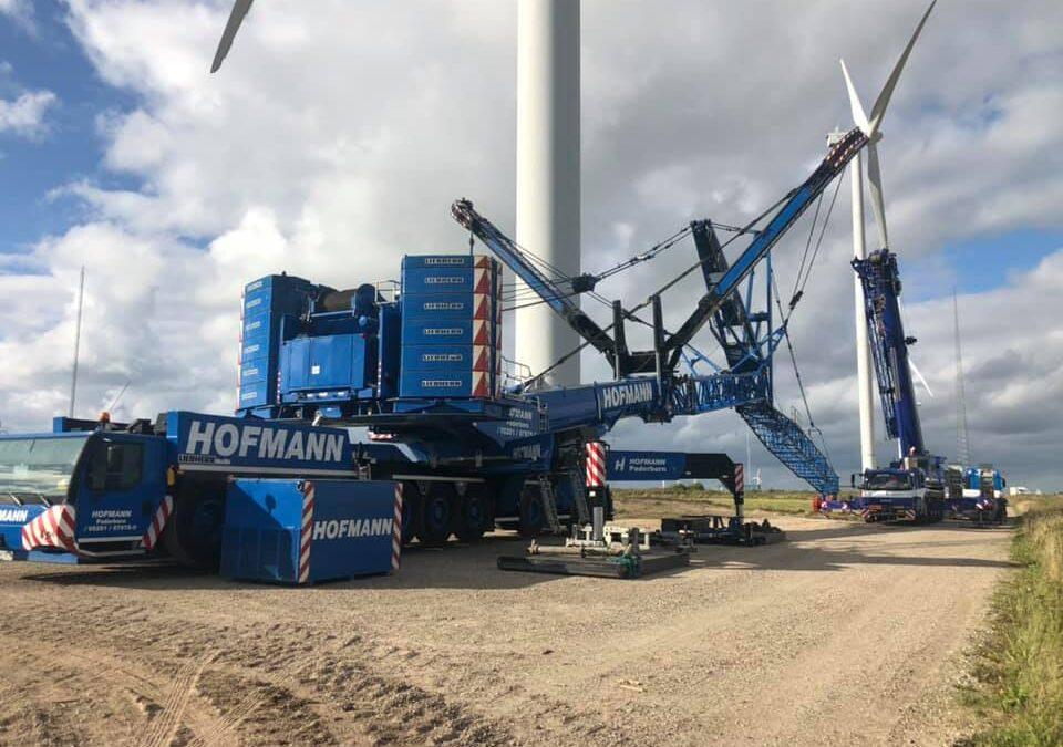 KG Mobilkraner samlede Hoffmans 750 tons mobilkran til demontering af vindmølle